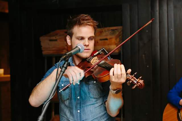 fiddle player